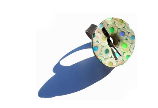 Bijoux en crayons de couleurs Crayon-ring-8