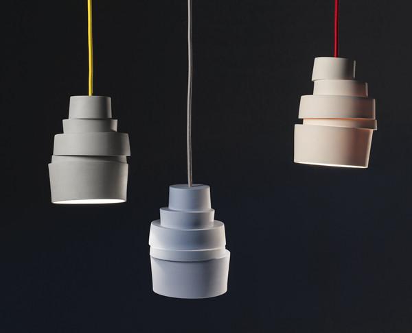 stabel-lampen-blaa-hvid-graa-minimalisme-enkelt-design-lys-lars-rank-2_grande