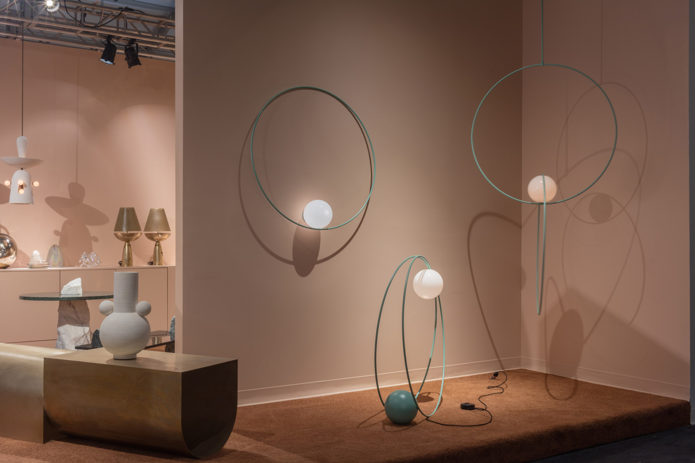 bespoke-loop-collection-by-michael-anastassiades-at-future-perfect-miami-design-lighting-_dezeen_2364_col_8
