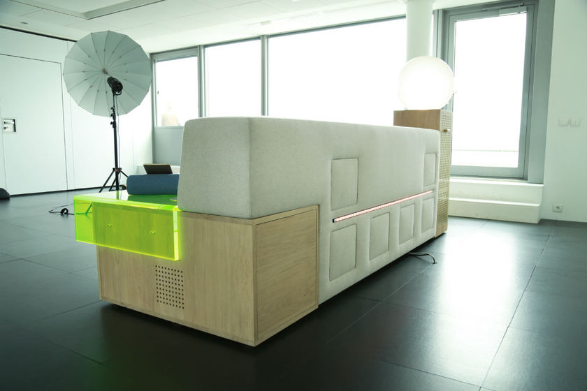 Canapé connecté Marty par Loève Saint-Ourens et le groupe Havas 18/35 sur Design Maroc