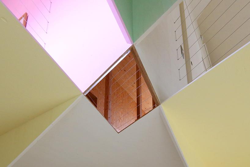 'Ana House', une asymétrie visuelle aux 7 couleurs par Design Maroc